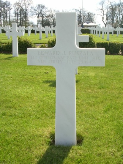 Grave of Flight Officer Edward J. Ruszala at Cambridge American Military Cemetery