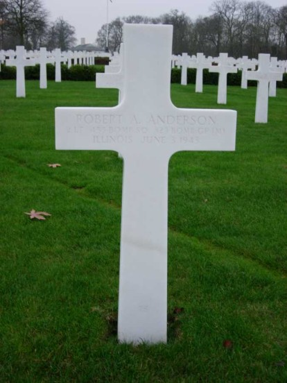Grave of 2nd Lieutenant Robert A. Anderson at Cambridge American Military Cemetery
