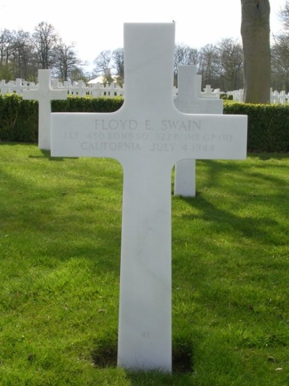 Grave of 1st Lieutenant Floyd Swain at Cambridge, killed in the crash of B-26C 41-35791 on Cronk ny Arrey Laa, Isle of Man