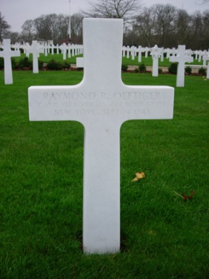 Grave of Captain Raymond R Oeftiger at Cambridge American Cemetery