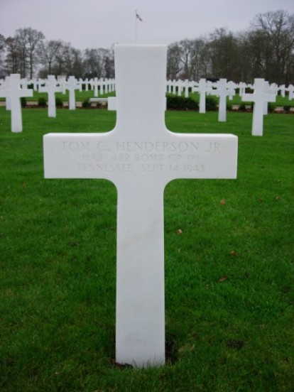 Grave of Major Tom C Henderson at Cambridge American Cemetery