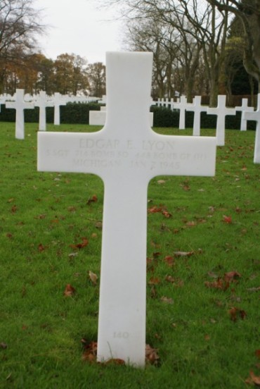 Grave of passenger Staff Sergeant Edgar E. Lyon, killed in the crash on Burn Fell, at the Cambridge American Military Cemetery
