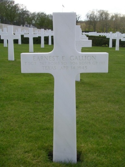 Grave of Technical Sergeant Earnest E. Gallion at Cambridge American Cemetery