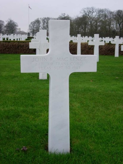 Grave of 1st Lieutenant John R. MacKenzie at Cambridge American Military Cemetery