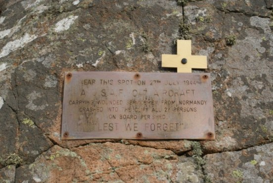 Plaque dedicated to the victims of the crash of C-47A 42-93038 in Cairngarroch Bay