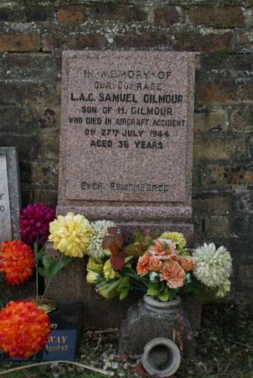 Grave of Leading Aircraftman Samuel Gilmour RAFVR, passenger aboard 42-93038 which crashed at Cairngarroch Bay near Portpatrick