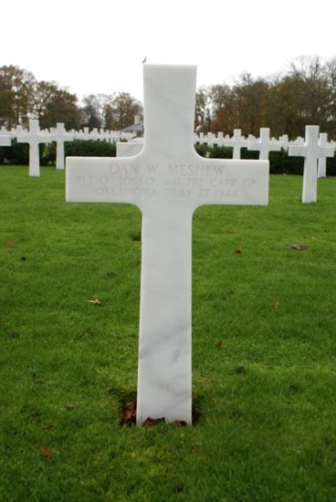 Grave of Flight Officer Dan W. Meshew at Cambridge American Military Cemetery, passenger on 42-93038