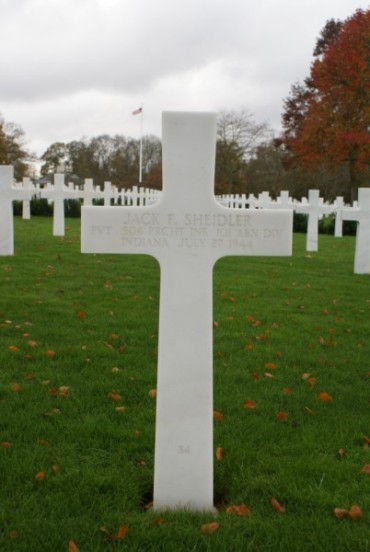 Grave of Private Jack F. Sheidler at Cambridge American Military Cemetery, patient aboard 42-93038
