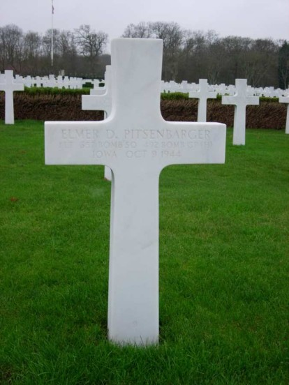 Grave of 1st Lieutenant Elmer D. Pitsenbarger at Cambridge American Military Cemetery