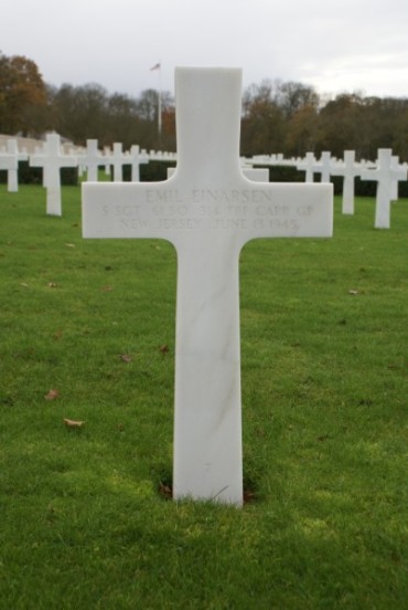 Grave of Staff Sergeant Emil Einarsen at Cambridge American Military Cemetery