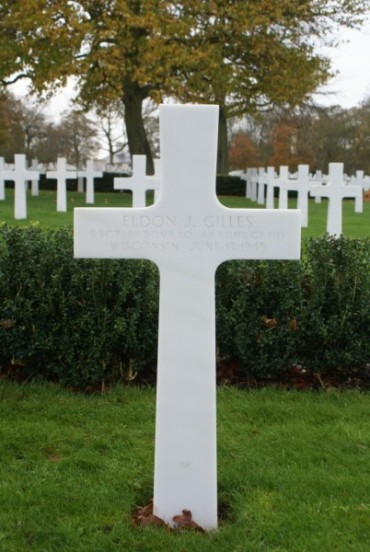 Grave of Gunner, Staff Sergeant Eldon J. Gilles at Cambridge American Military Cemetery