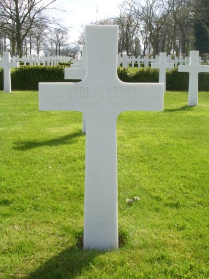 Grave of Staff Sergeant Wade D. Kriner at the Cambriadge American Military Cemetery