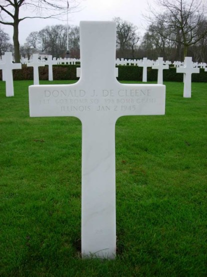 Grave of 1st Lieutenant Donald James Decleene at Cambridge American Military Cemetery