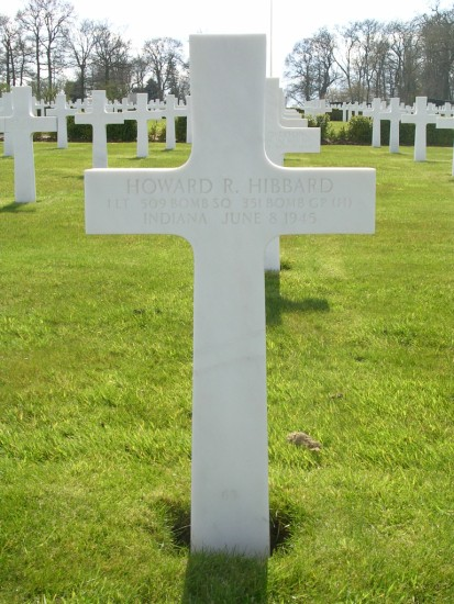 Grave at Cambridge American Cemetery of Pilot, 1st Lieutenant Howard R. Hibbard