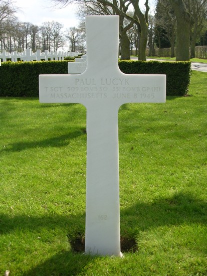 Grave of Technical Sergeant Paul Lucyk at Cambridge American Cemetery