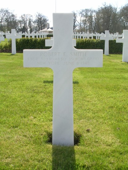 Grave of Staff Sergeant Robert E Smith at Cambridge American Cemetery
