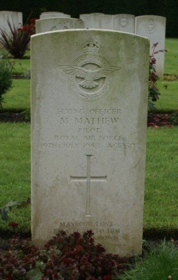 Grave of Flying Officer Michael Mathew at Oxford Botley Cemetery