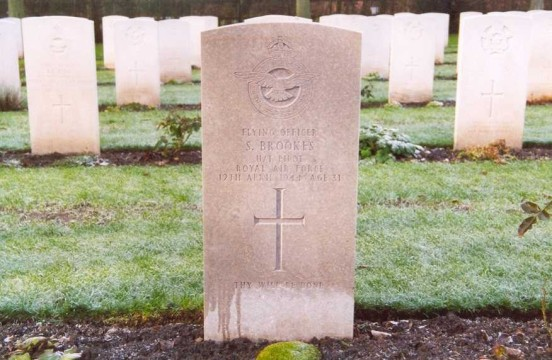 Grave of Flying Officer Brooks at Chester Blacon Cemetery