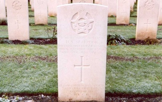 Grave of Flight Sergeant Seabrook at Chester Blacon Cemetery