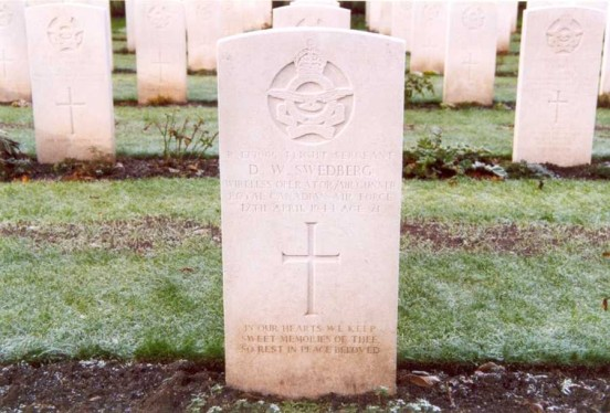 Grave of Flight Sergeant Swedberg at Chester Blacon Cemetery