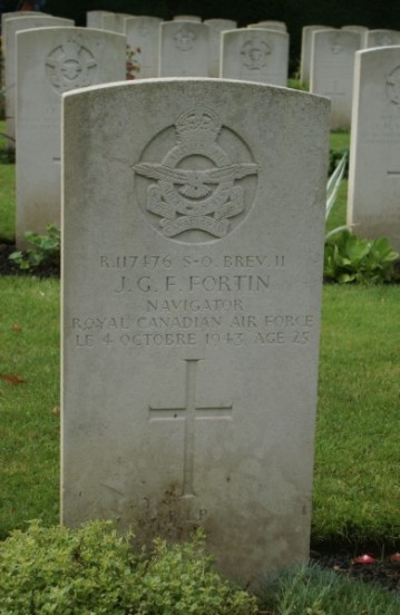 Grave of Warrant Officer Jean Gilbert Felix Fortin at Oxford Botley Cemetery