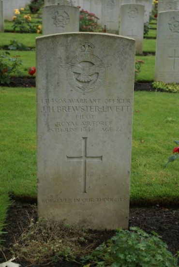 Grave of Warrant Officer John Harold Brewster-Livett at Oxford Botley Cemetery