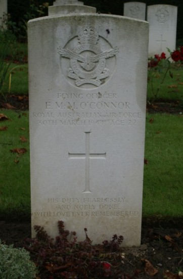 Grave of Flying Officer Eric Matthew Montagu O'Connor at Botley Cemetery, Oxford