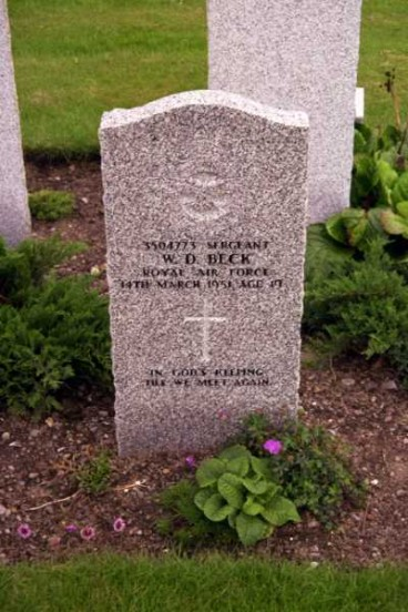 Grave of Sergeant Wilfred Davie Beck at Kinloss Abbey