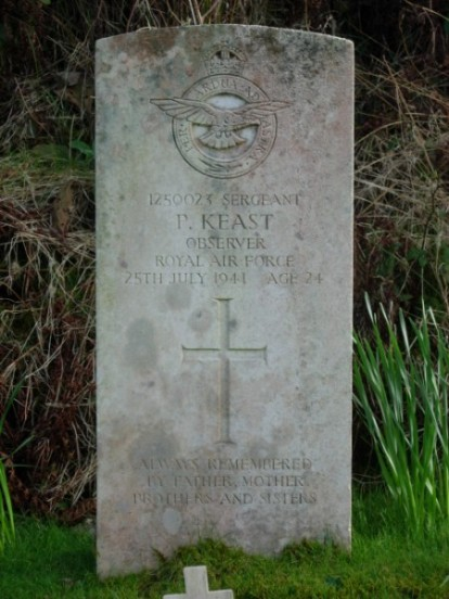 Grave of Percey Keast at Kilkerran Cemetery, Campbeltown