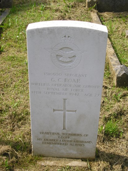 Grave of Sergeant Geoffrey Crisp Boar at Ipswich Old Cemetery, Suffolk