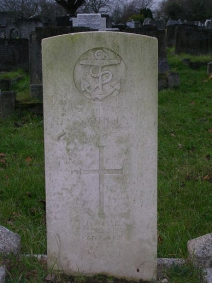 Grave of Sub Lieutenant Henry William Smith at Camberwell New Cemetery, London