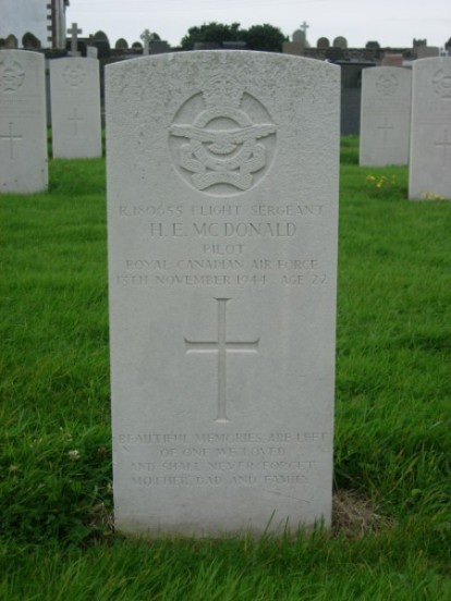 Grave of Flight Sergeant Hugh Eugene McDonald at Jurby churchyard