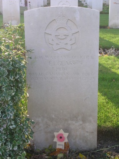 Grave of Warrant Officer Glass at Harrogate Stonefall Cemetery