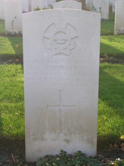 Grave of Warrant Officer Henfrey at Harrogate Stonefall Cemetery