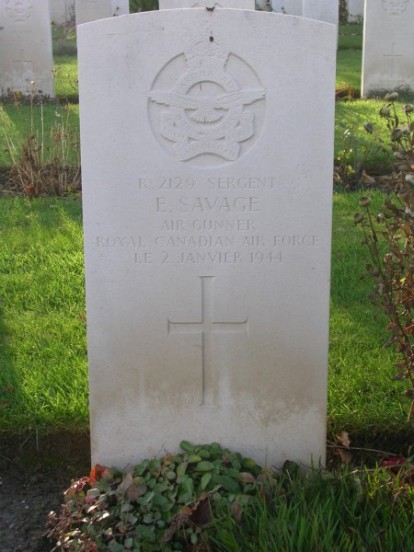 Grave of Sergeant Savage at Harrogate Stonefall Cemetery