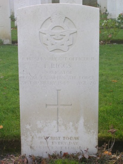 Grave of Warrant Officer Lewis Riggs at Harrogate Stonefall Cemetery
