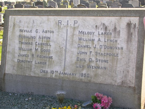 Grave of victims of the crash of Douglas Dakota St Kevin, EI-AFL, at Caernarfon Llanbeblig Cemetery