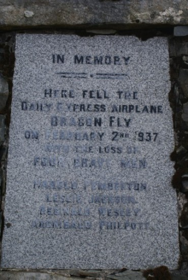 Memorial plaque at the crash site of Dragonfly G-AEHC on Darnaw