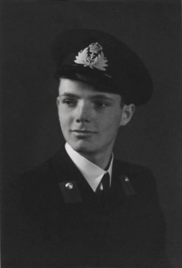 Midshipman Gordon Fell Royal Naval Volunteer Reserve, killed in Grumman Avenger JZ390 at Wastwater