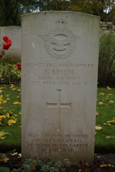 Grave of Leading Aircraftman Fred Roscoe at Blacon Cemetery, Chester