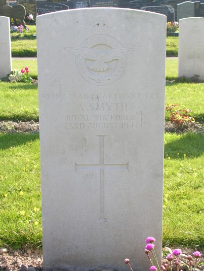 Grave of Sergeant John Bernard Wood RNZAF at Caernarfon Cemetery, killed in Blackburn Botha L6318 on Tal-y-Fan, Snowdonia