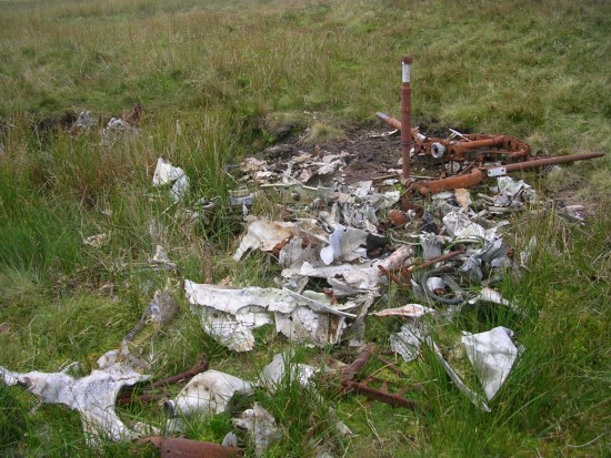 Undercarriage wreckage at the crash site of Avro Anson L7949 on Lairdside Hill near Lochwinnoch