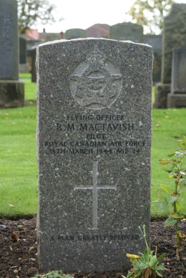 Pilot Officer MacTavish's grave at Ayr Cemetery