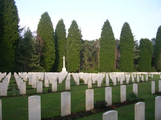 Graves of the Canadian crew members from Wellington LP397 at Brookwood Miltiary Cemetery