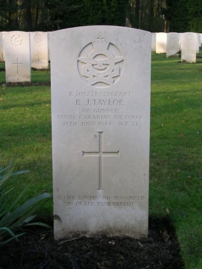 Grave of Sergeant Richard John Taylor at Brookwood Military Cemetery
