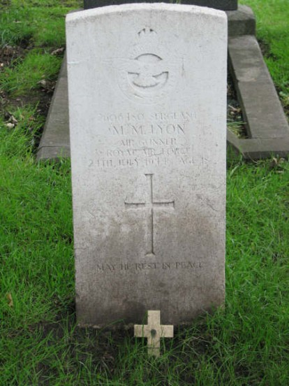 Grave of Sergeant Maurice Mitchell Lyon at St Helens Cemetery