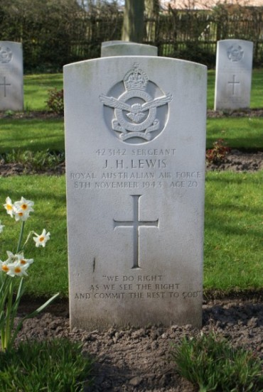 Grave of Sergeant John Hedgley Lewis at Chester Blacon Cemetery