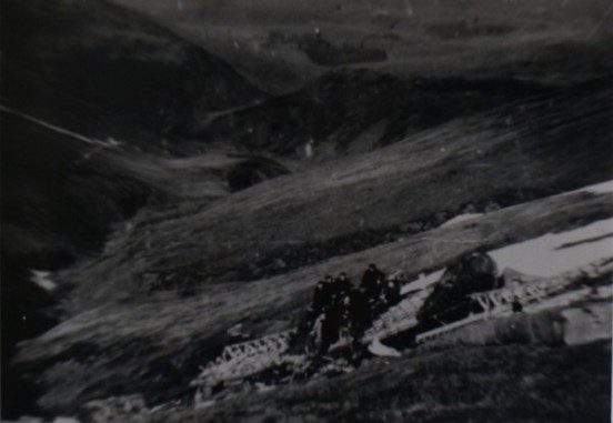 No.83 MU Personnel at the crash site of Wellington T2714