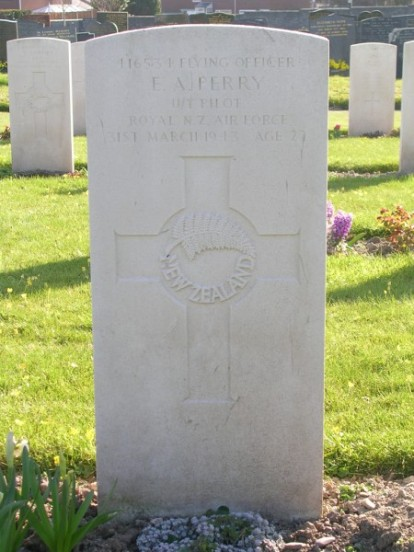 Grave of Flying Officer Edward Alexander Perry at Caernarfon Llanbeblig Cemetery