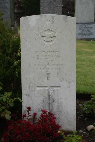Pilot Officer Elijah Henson's grave at Troqueer Chuchyard in Dumfries.